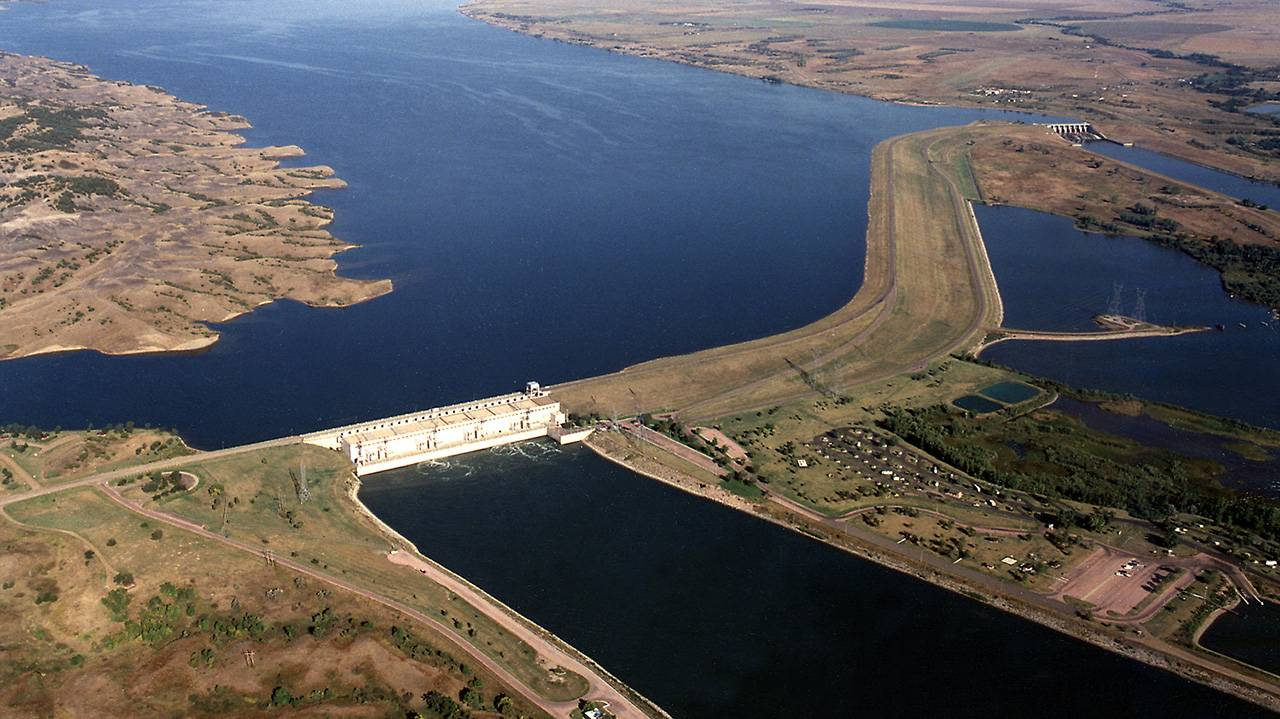 Essay on Effects of Dams on Our Enviornment
