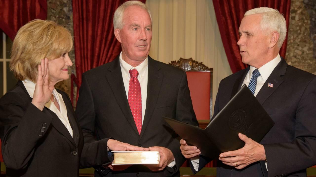 Cindy Hyde-Smith sworn in as 1st female Mississippi senator