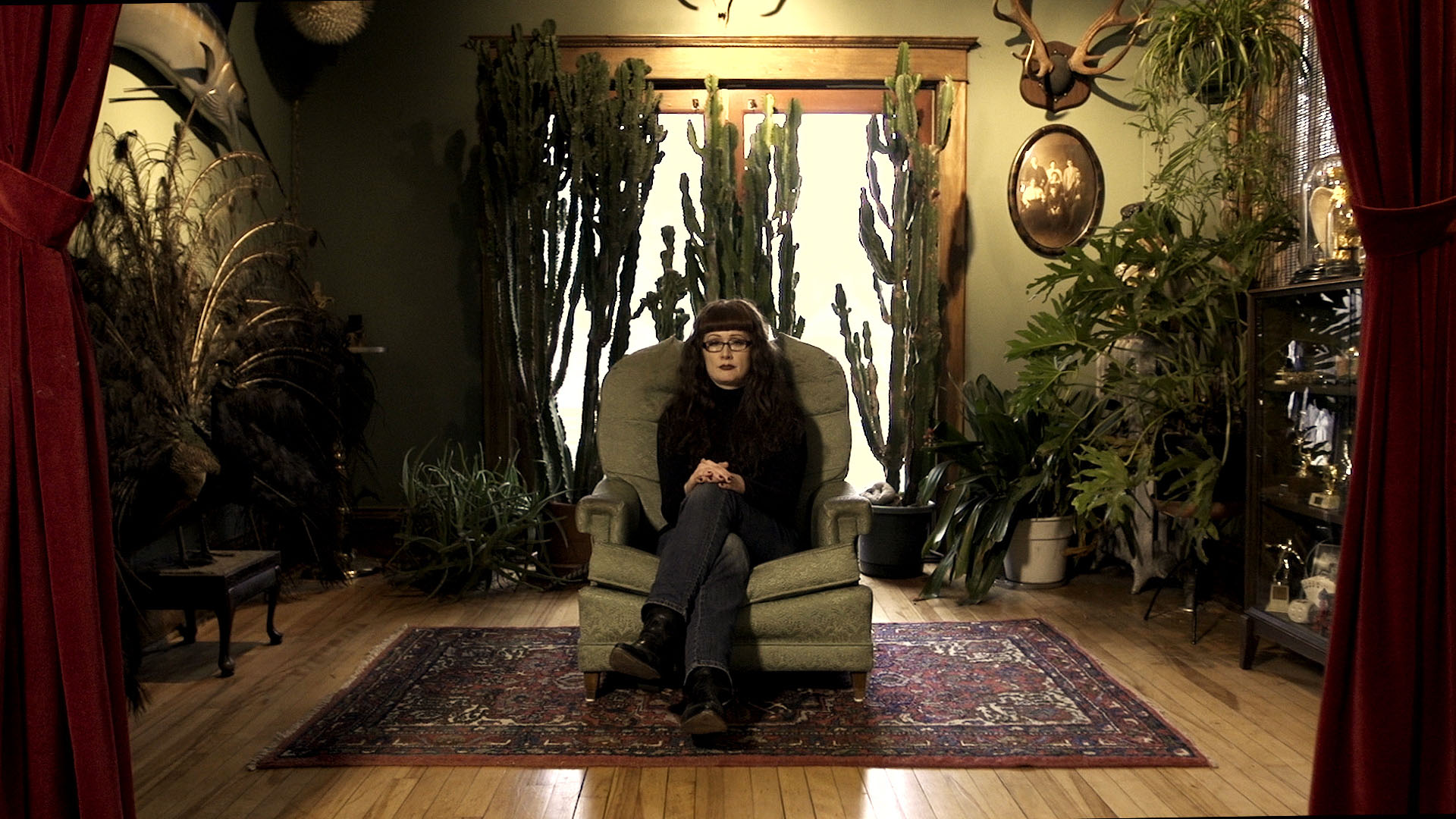 Watch Sarina Brewer: Rogue Taxidermy Sculptor