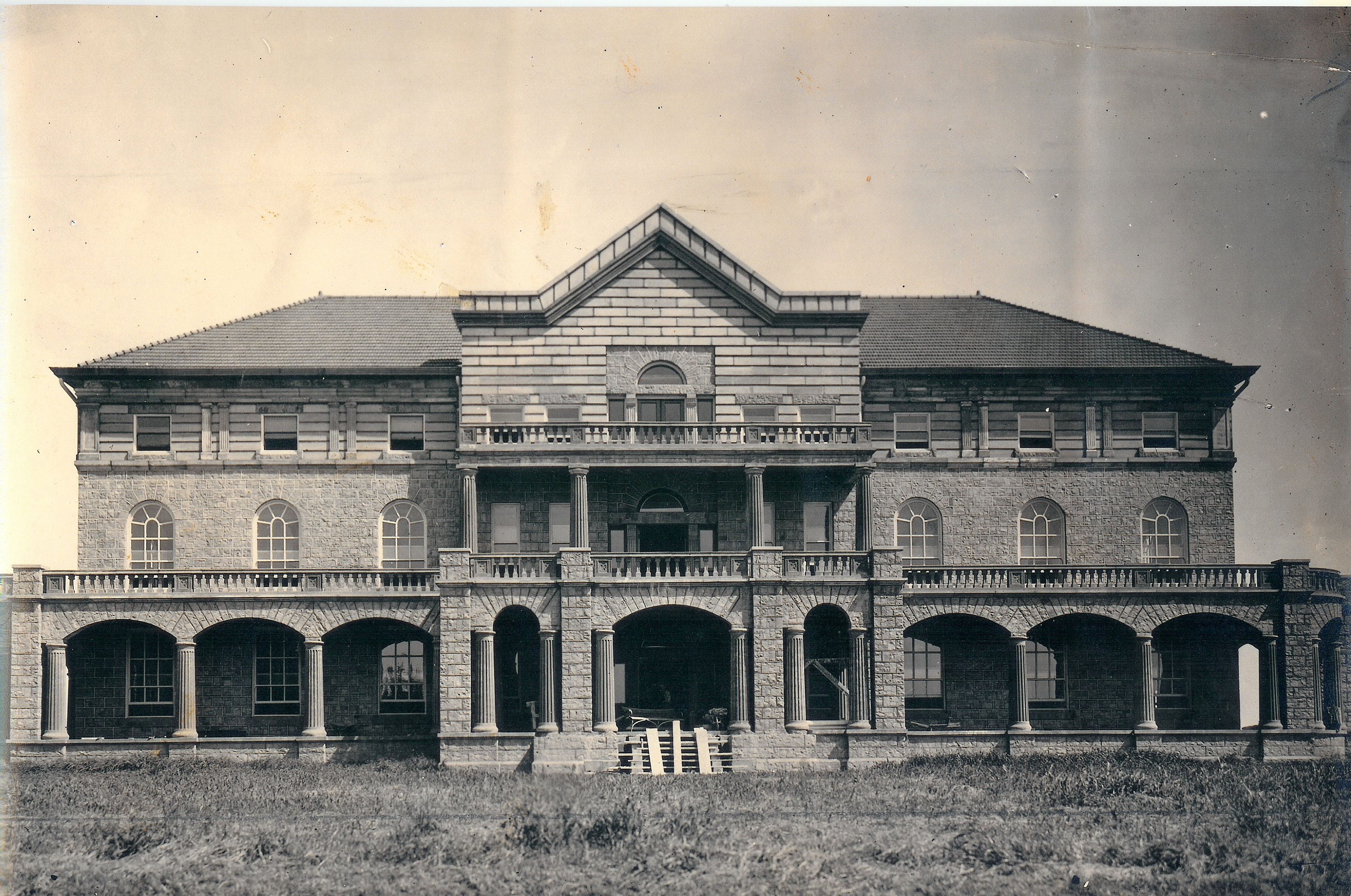 Mead Building Front 1909.jpg