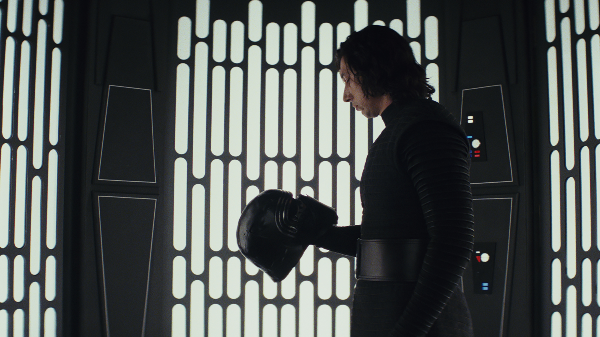 Review: 'Last Jedi' is a fresh, exhilarating new journey for 'Star Wars' fans