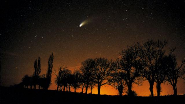 Comet Hale-Bopp, 2007.