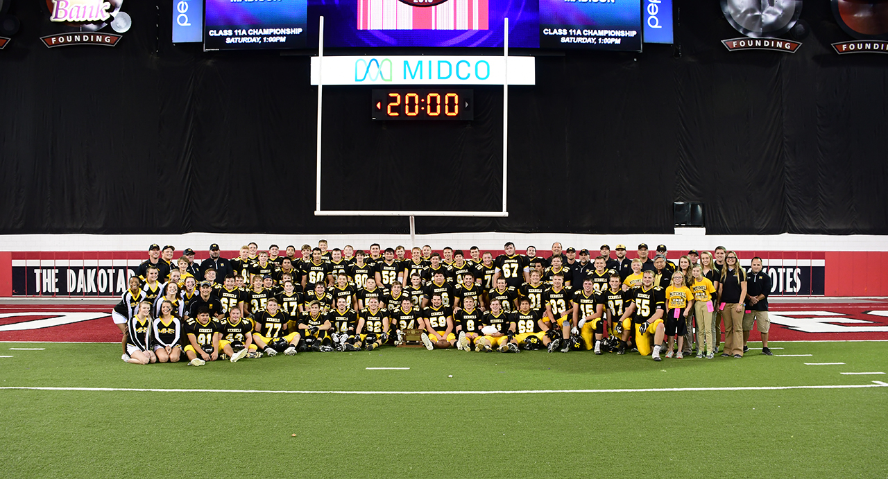 2016 Football - 11AAChamps-Mitchell-sm.jpg