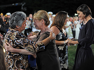 Dianne Wiest and Katie Holmes with National Memorial Day Concert honorees