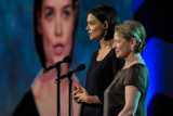 Dianne Wiest and Katie Holmes on stage at the 2009 National Memorial Day Concert.