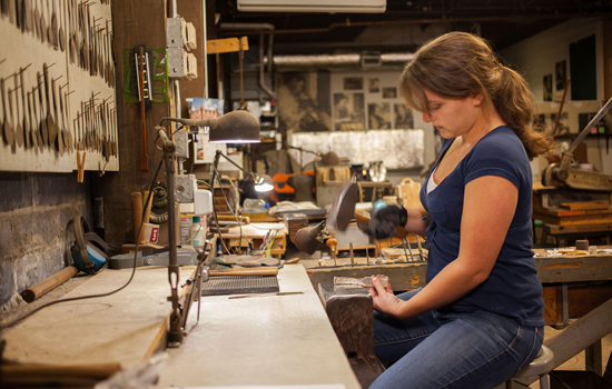 Chloe Darke at Old Newbury Crafters, Mark Markley photograph