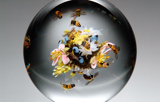 Paul Stankard, Swarming Honeybee Orb, 2005, Douglas Schaible photo