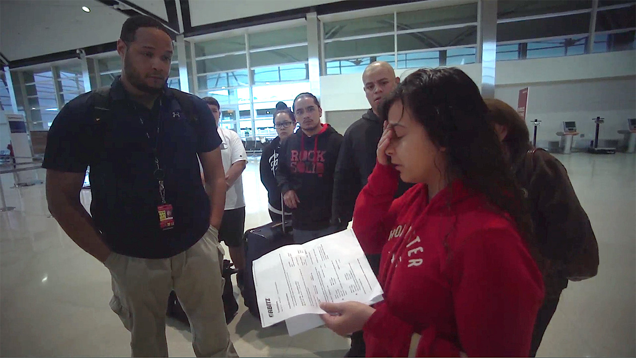 Maria-gets-he-papers-of-deportation.jpg