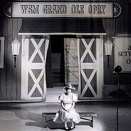 Minnie Pearl with Barn Backdrop