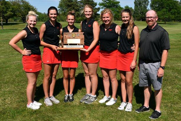 2016 Class AA Girls Golf 1st Place - Yankton