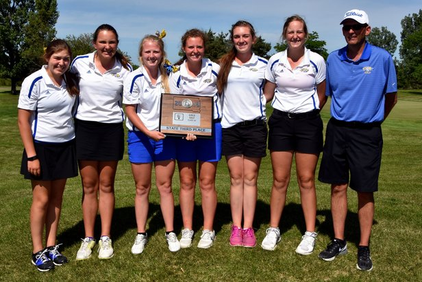 2016 Class AA Girls Golf 3rd Place - Aberdeen Central