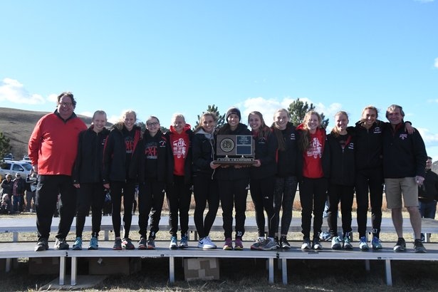 2017 CC Class AA Girls 1st Place - Brandon Valley.jpg