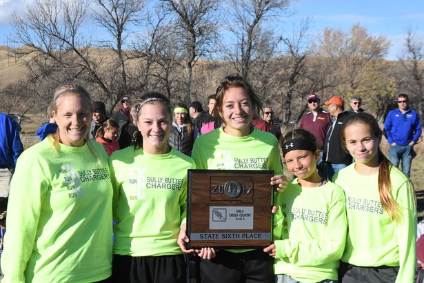 2017 CC Class B Girls 6th Place - Sully Buttes.jpg