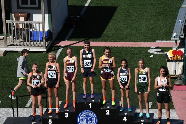 Class B Girls 3200m Run.jpg