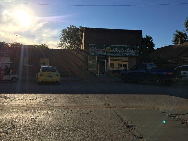 Royal Bake Shop in Centerville