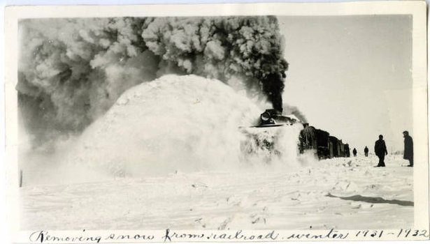 Cresbard Train Snow Removal 1932.jpg