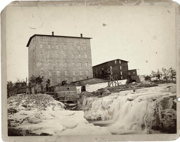 Queen Bee Mill ca. 1890