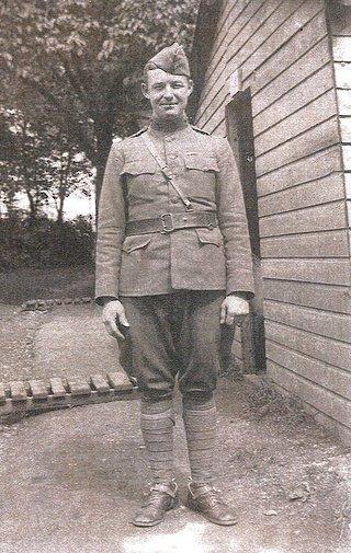 Vincent Knewel in uniform