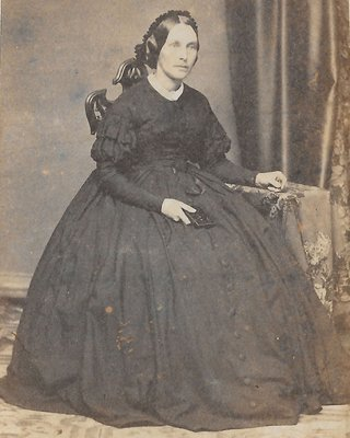 Anne Reading