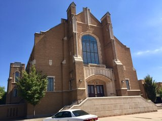 Central Church of Christ, 1401 S. Monroe St.
