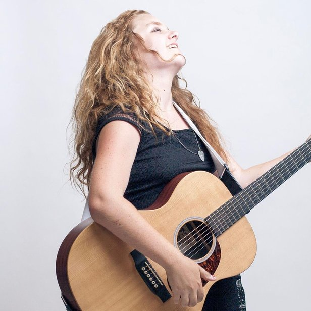 Shelby Lanterman will perform at 9:30 p.m. today at The 806.
