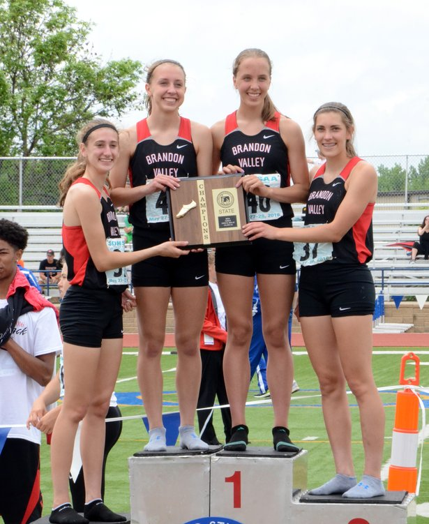 2016 AA Girls 3200 Relay.JPG