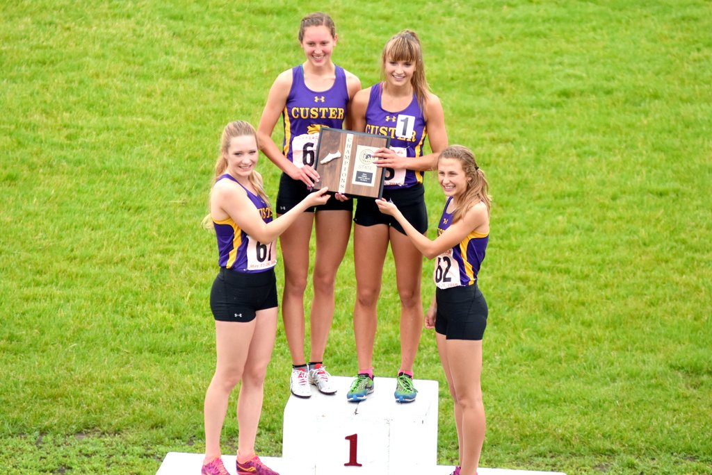 2016 Girls A 3200m Relay - Custer