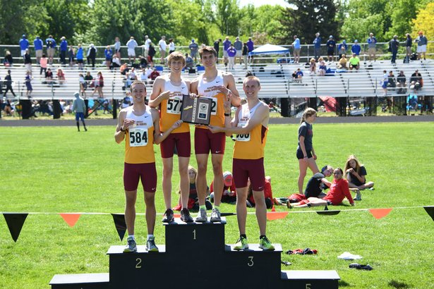AA Boys 4x800 Relay