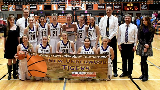 2017 Class B GBB 5th Place - New Underwood