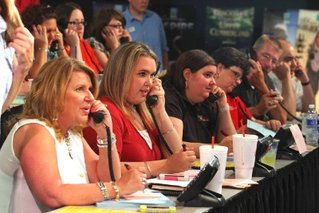 auction bid phones.jpg