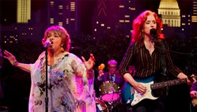 arts_blog_acl_bonnie-raitt-mavis-staples.jpg