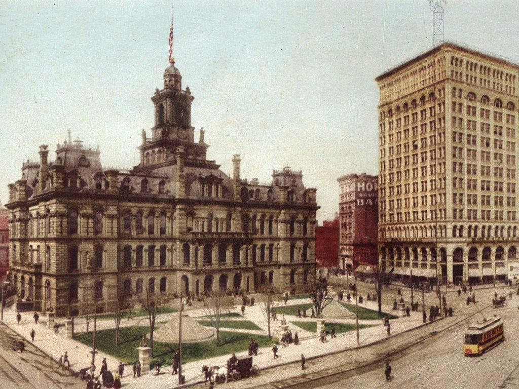 1899 Detroit -campus-martius.jpg