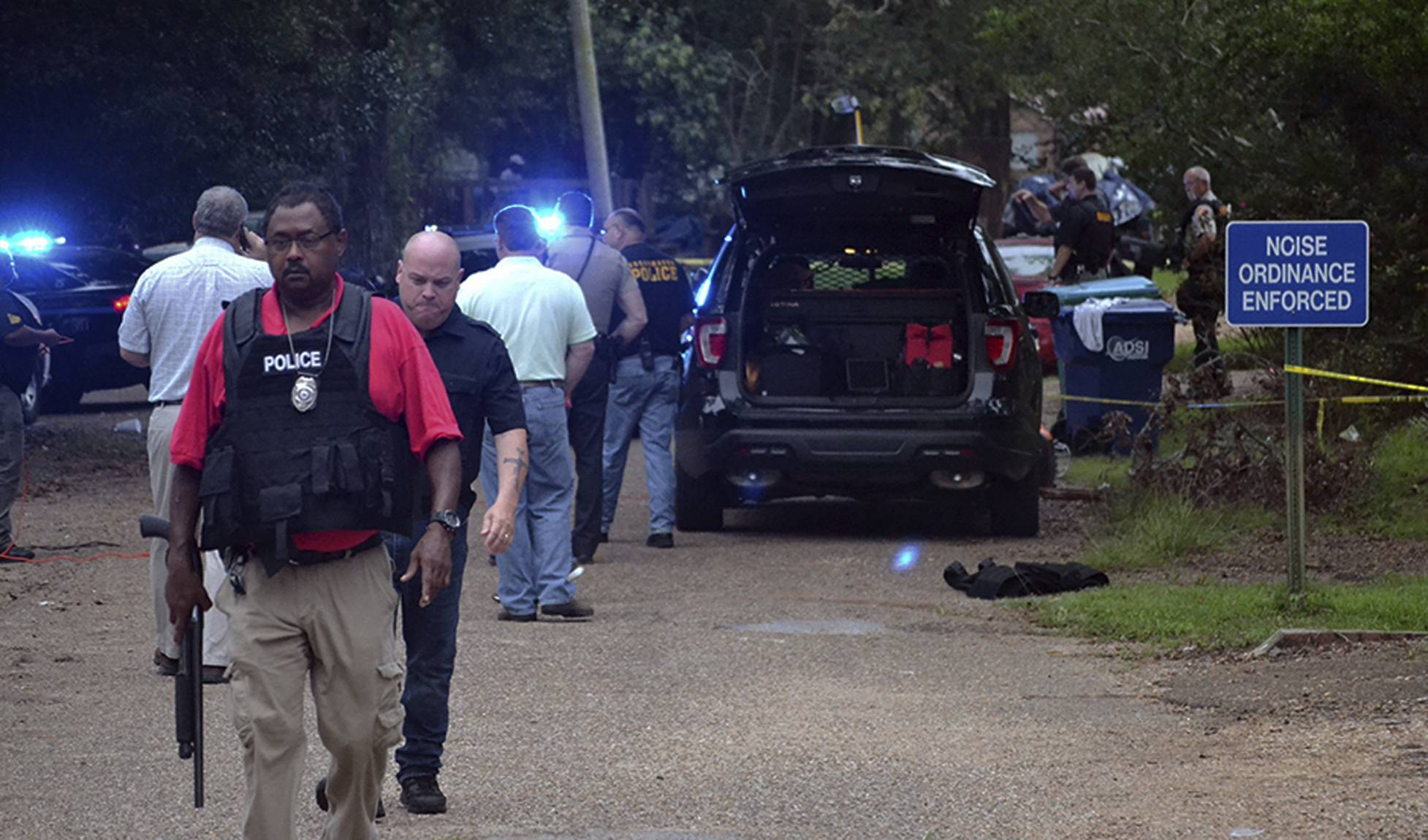 DEVELOPING: Two officers dead in Mississippi town