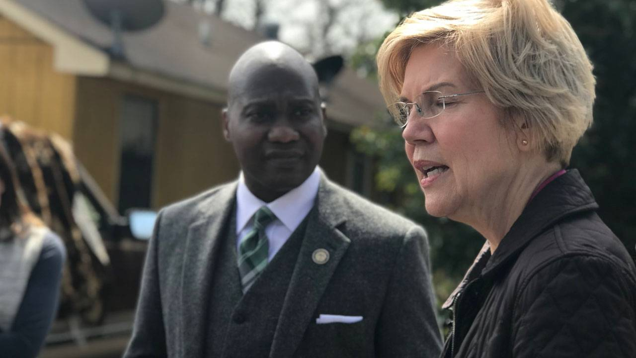 Elizabeth Warren Makes Stop in Mississippi Delta