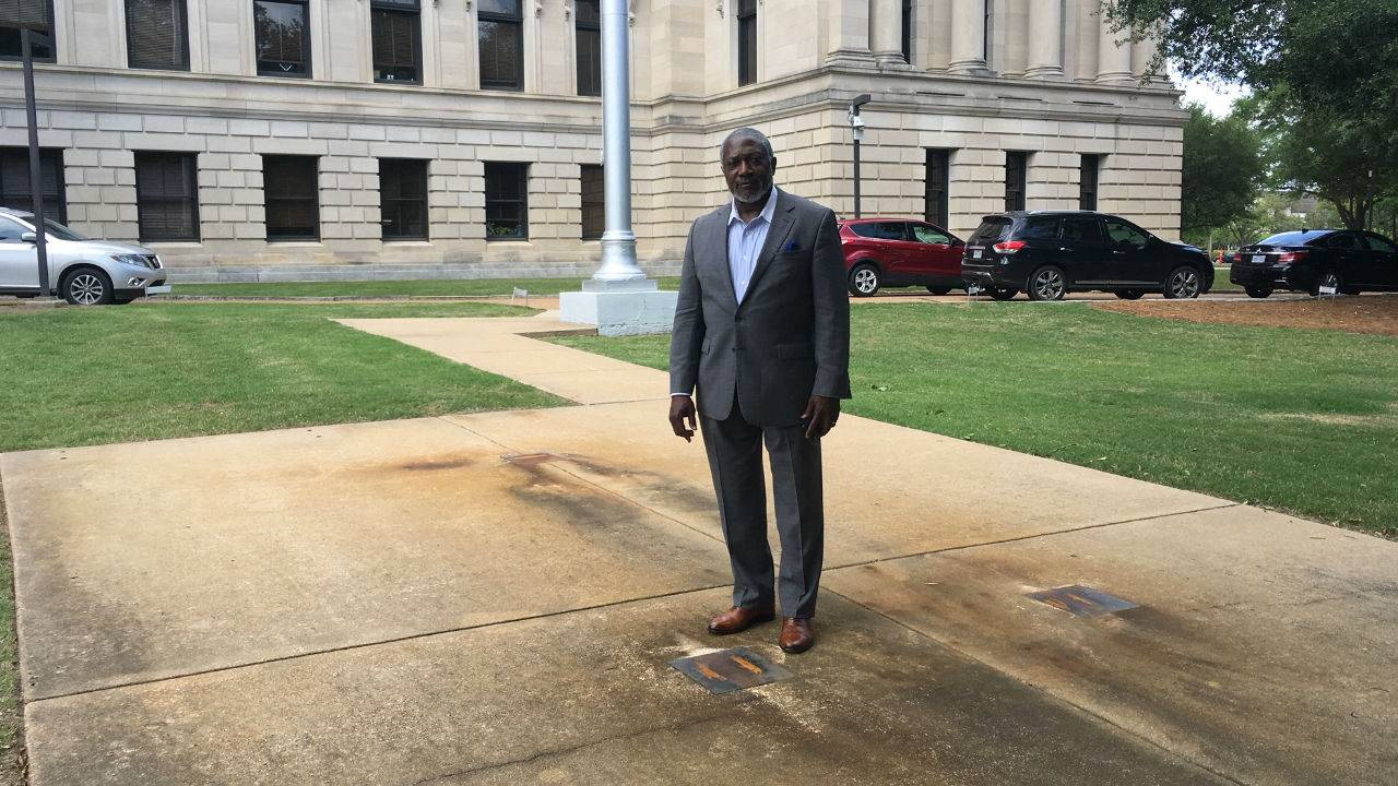 Senator Spearheads Erecting Statue of African American Leaders