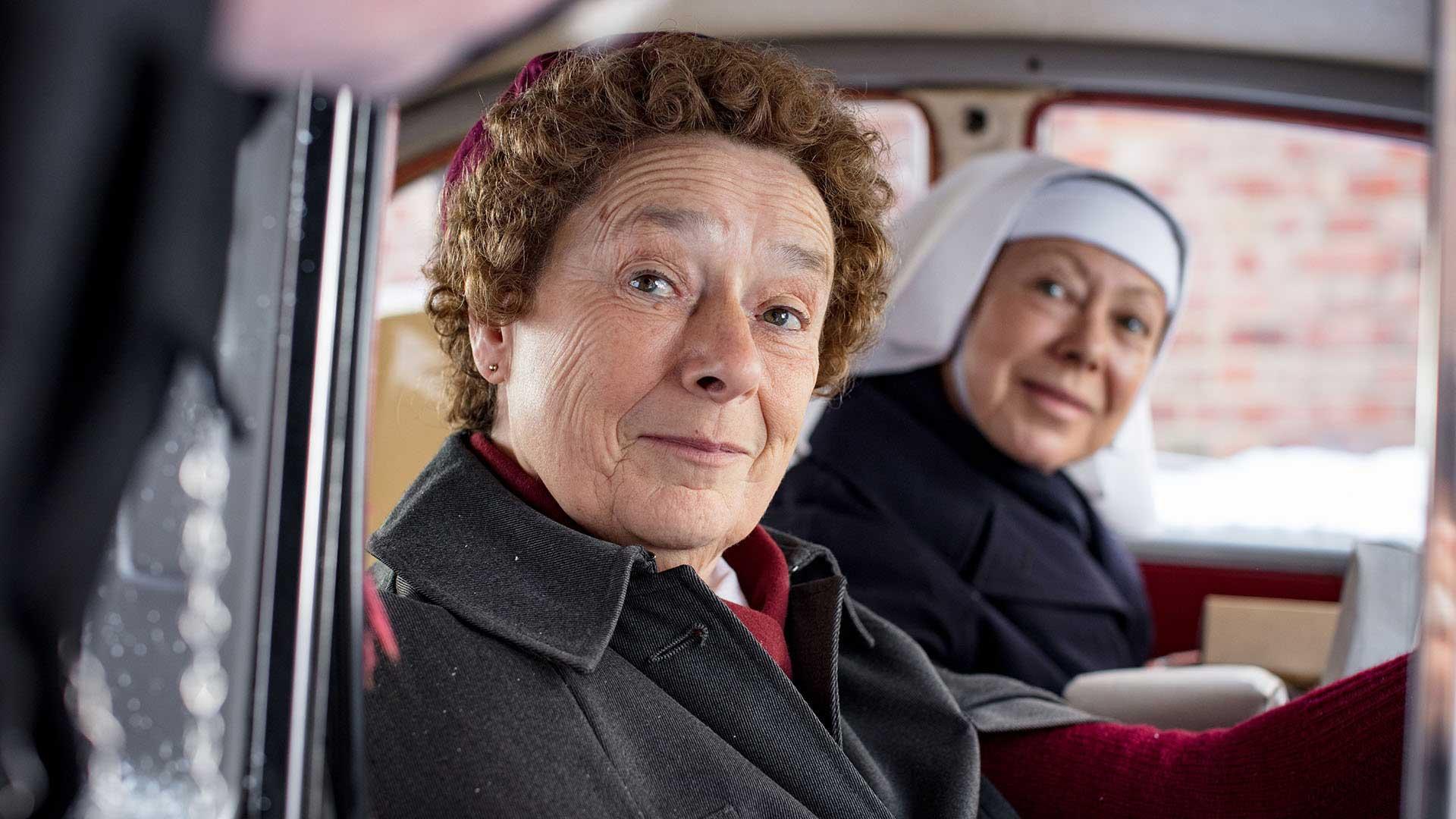 Linda Bassett as Phyllis Crane