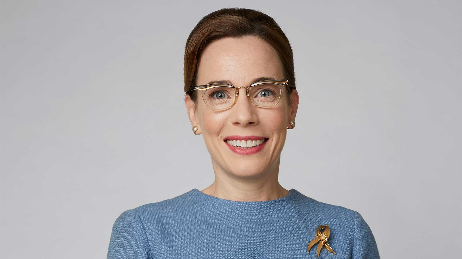 Laura Main plays Shelagh Turner.