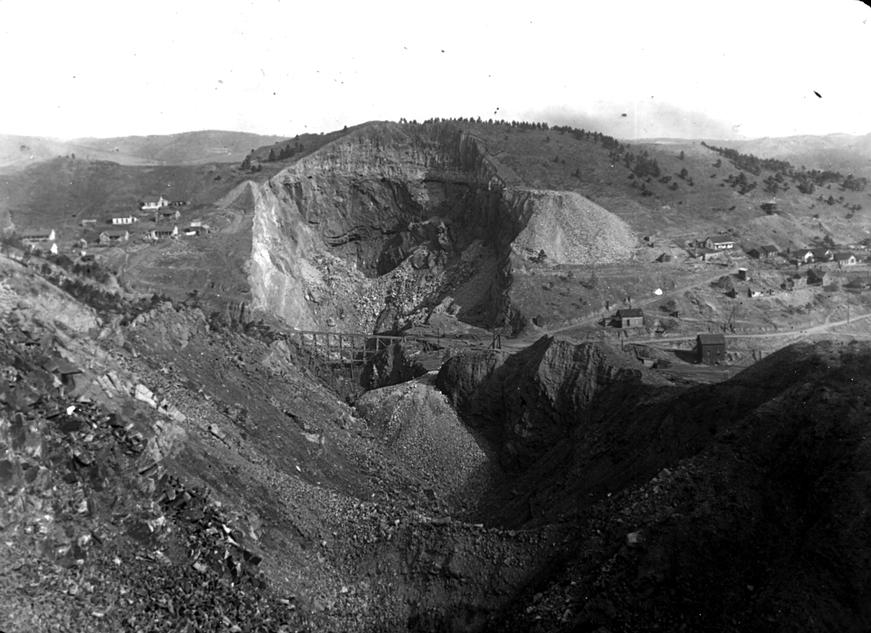 image of the open cut at homestake mine circa 1900