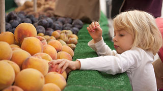 How Farmers Markets Can Help Foster Adventurous Eating