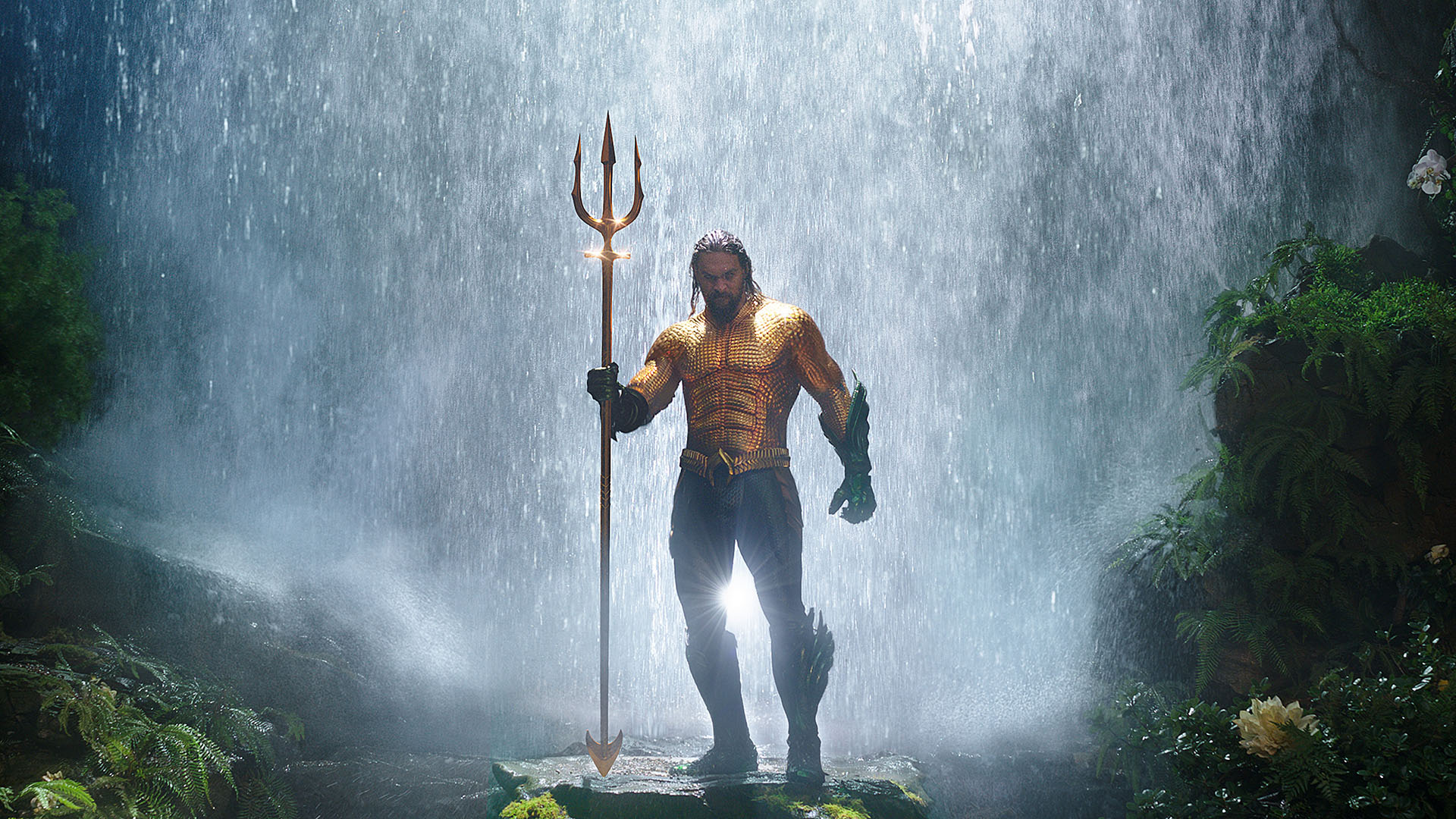 Review: 'Aquaman' goes for broke