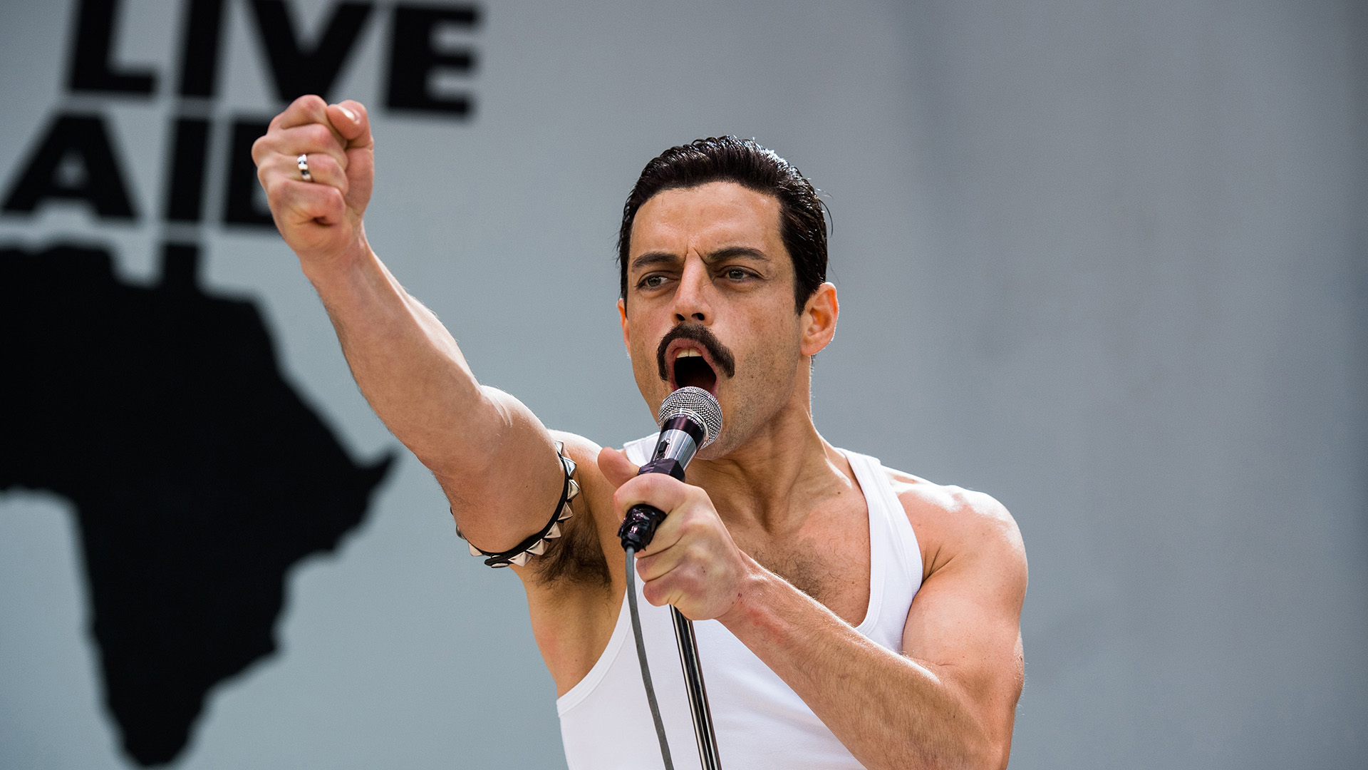Review: 'Bohemian Rhapsody' just keeps losing the beat