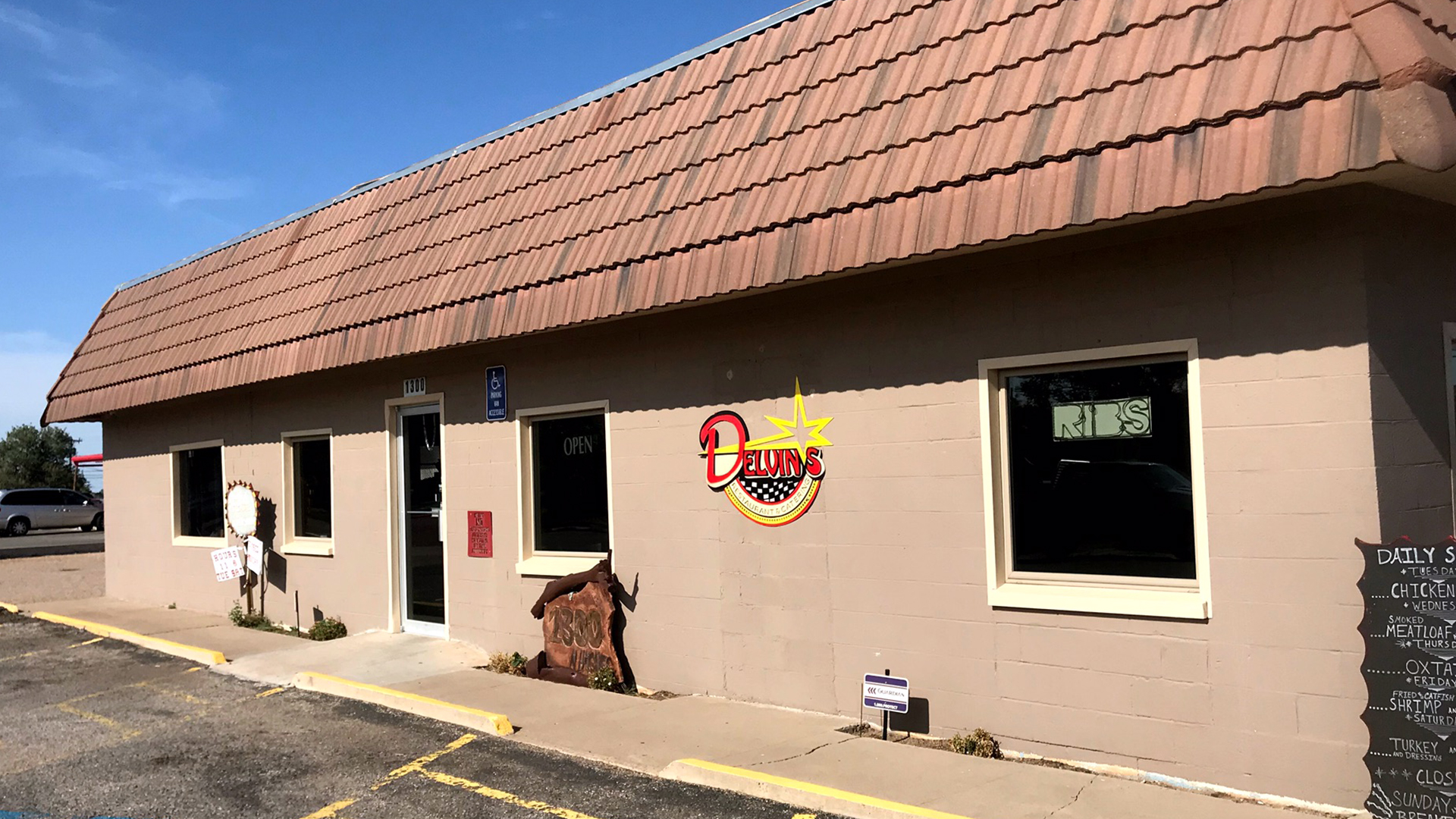 Delvin's doubles down on downtown