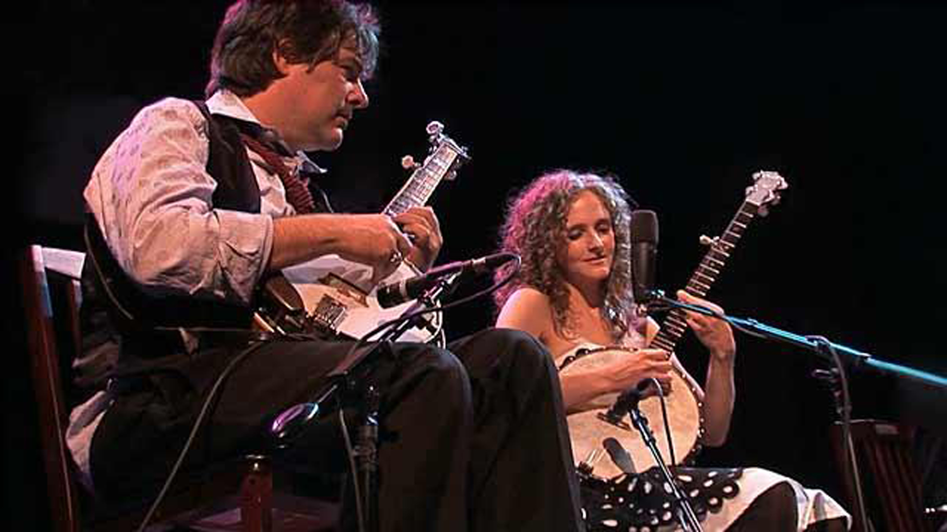 Abigail Washburn's journeys to China have made her a 21st century Marco Polo of music, mixing folk traditions of east and west.