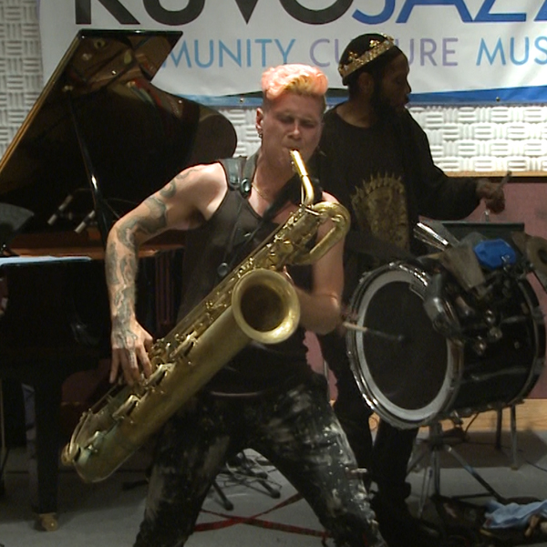 KUVO: Too Many Zooz