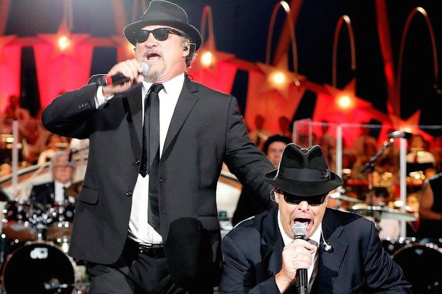 Jim Belushi (L) and Dan Akroyd (R) of The Blues Brothers perform at <em>A Capitol Fourth</em> at U.S. Capitol, West Lawn on July 4, 2017 in Washington, DC. (Photo by Paul Morigi/Getty Images for Capital Concerts)
