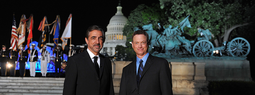 Joe Mantegna and Gary Sinise co-host the 2018 National Memorial Day Concert