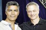 Actors Esai Morales and Gary Sinise pose backstage at the 2016 <em>National Memorial Day Concert</em>.