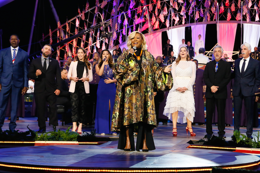 "Patti LaBelle leads the full cast in singing ""God Bless America"" at the 2019 <em>National Memorial Day Concert</em>."
