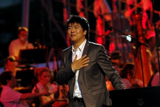 Lang Lang performs <i>Tchaikovsky Piano Concerto No. 1</i> on the 2009 <i>National Memorial Day Concert</i>.