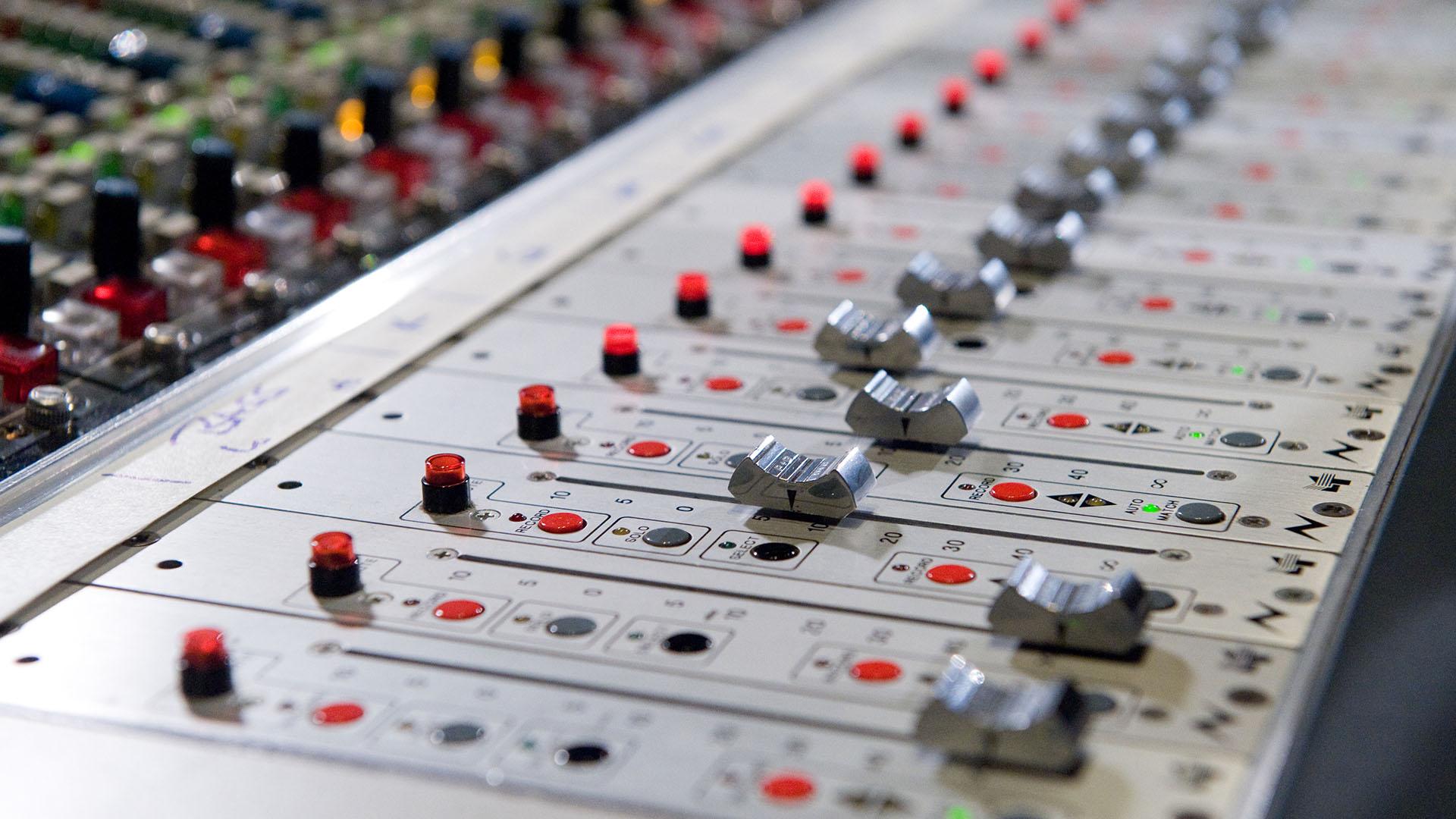 Elements of Soundbreaking